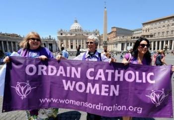 Prominent-Catholic-Newspaper-Endorses-Women-Priests-Movement